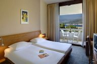 tirena-hotel-twin-room